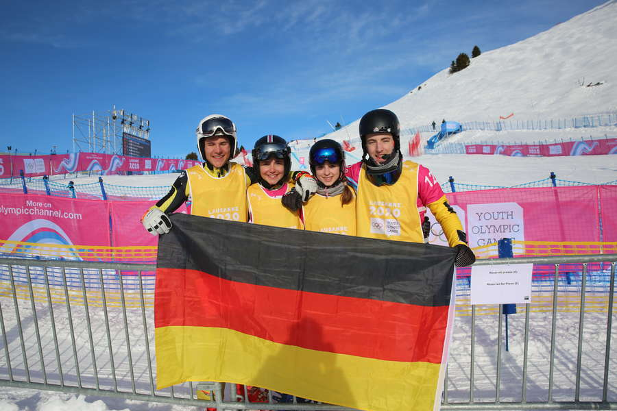 Snowboardcross/Skicross Mixed-Team gewinnt Bronze